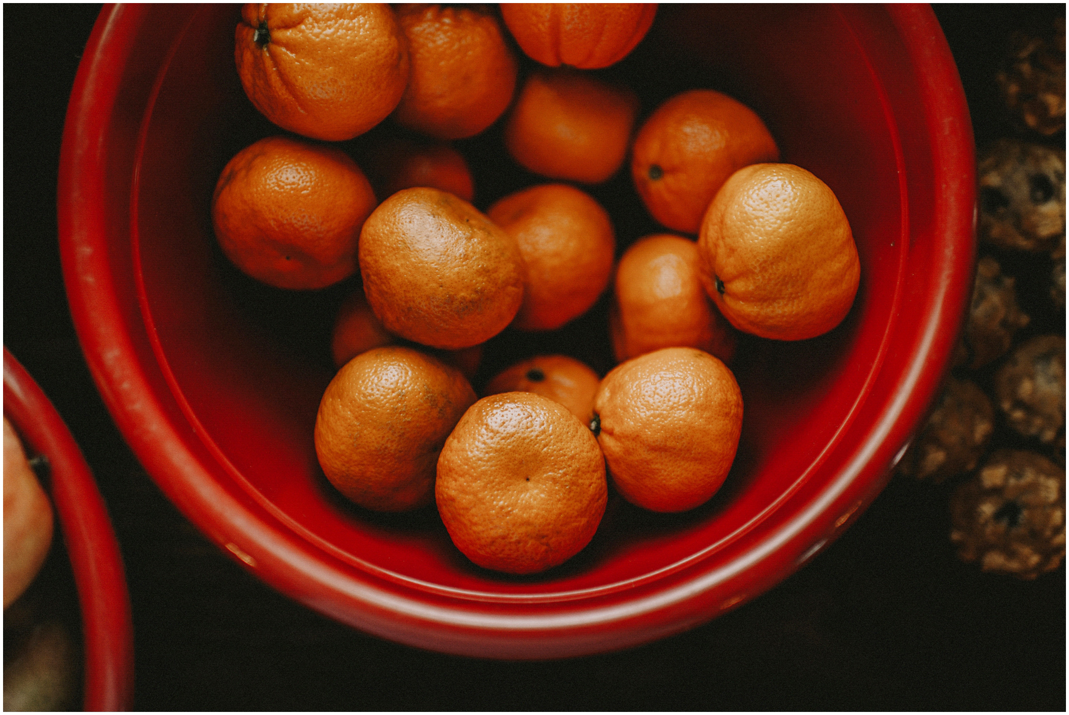 tangerines in a bowl