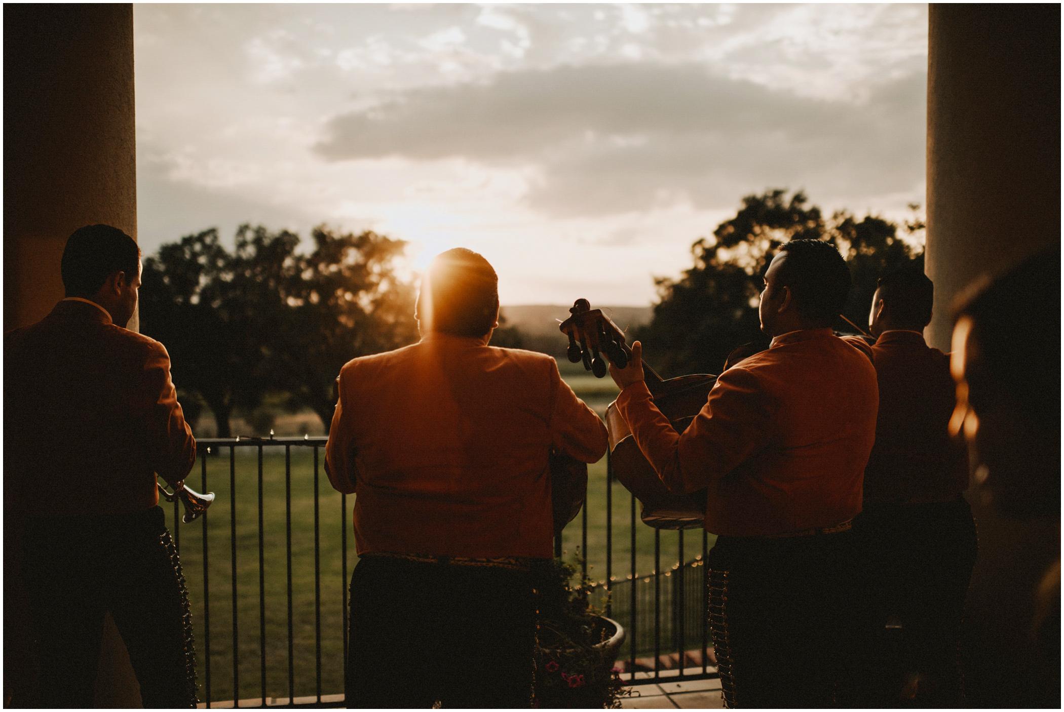 mariachi band at the wedding