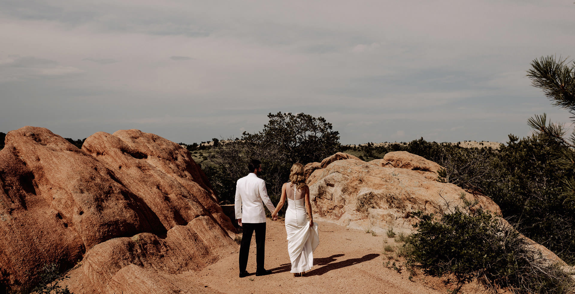 Wedding photographer Garden of the Gods Colorado
